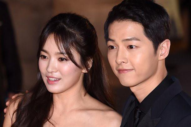 Đài truyền hình tung bằng chứng Song Hye Kyo - Song Joong Ki hẹn hò