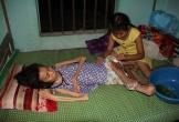 Hà Tĩnh: Cảm phục bé 9 tuổi chăm mẹ nằm liệt đã 9 năm trời