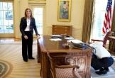 Chiếc nút đỏ gây tò mò trên bàn làm việc của Tổng thống Mỹ