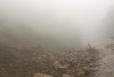 Sạt lở QL8A, sương mù dày đặc gây ách tắc giao thông ở Hà Tĩnh