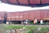 Hà Tĩnh: Lý do thật sự khiến người dân ga Hương Phố treo bao tải rác lên toa tàu