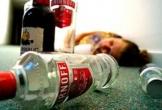 Nghịch tử bại liệt bỏ thuốc độc vào rượu giết cha và hàng xóm