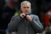 Mourinho ngấm ngầm chê Man City… thiếu giáo dục