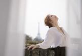 Khoảnh khắc đẹp xuất thần của Lý Nhã Kỳ giữa Paris hoa lệ