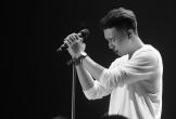 Đông Hùng: '5 năm ai gọi gì cũng hát, không dám mua áo mới'