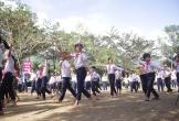 Học sinh vùng cao hăng say nhảy Cha cha cha
