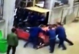 Bất cẩn, một công nhân bị xe nâng hàng gây tử vong