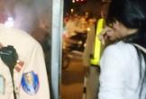 CSGT cứu mạng cô gái xinh đẹp đòi nhảy cầu vì thất tình