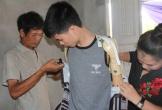 Hà Tĩnh: Hạnh phúc tràn ngập của người cha trẻ mất đôi tay chăm con thơ được chắp đôi tay mới