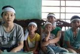 Hà Tĩnh: Cha mất, mẹ bệnh tim, con gái đi phụ hồ nuôi cả gia đình