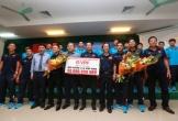 Trao 400 triệu đồng tiền thưởng cho đội U-15 VN