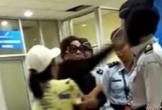 Vợ tướng cảnh sát Indonesia tát nhân viên an ninh sân bay