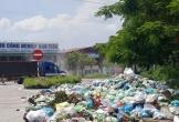 Dân dựng lều, ngăn cản ôtô chở rác