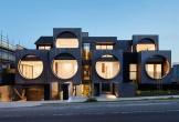 Khu chung cư hút mắt với các cửa sổ tròn khổng lồ