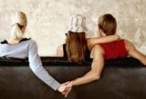 Hai chị em gái gặp cùng... sở khanh