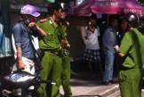 Hỗn chiến trước quán karaoke, một thanh niên bị chém gần đứt cổ tay