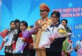 Nữ sinh 9 tuổi đoạt giải nhất cuộc thi an toàn giao thông