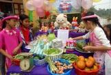 Tổ chức 'hội chợ tuổi thơ' đem Tết đến cho học sinh nghèo