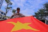 Người dân nghỉ làm sớm, mua đồ cổ vũ U23 Việt Nam