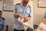 Nhân viên Hải quan Nội Bài nhận tiền USD của khách để