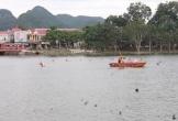 Quỳ Hợp (Nghệ An): Hàng trăm người tìm kiếm thi thể người đàn ông đuối nước trên hồ