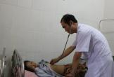 Hà Tĩnh: Bệnh nhân nguy kịch, bác sĩ