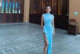 Tiểu Vy mặc váy xẻ đùi dự tiệc Miss World
