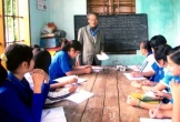 Thầy giáo làng 83 tuổi hơn 30 năm dạy ngoại ngữ miễn phí cho học sinh