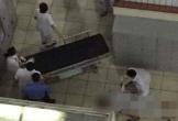 Người đàn ông nhảy từ tầng 4 Bệnh viện Bạch Mai xuống đất tử vong