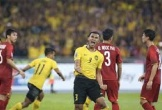 Malaysia rút ngắn tỷ số 2-1 từ pha đánh đầu của Saad