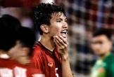 Tình huống Văn Hậu bị cầu thủ Philippines chơi xấu