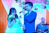 """Chú rể hát cực hay tặng cô dâu trong ngày cưới khiến nhiều người """"tan chảy"""""""