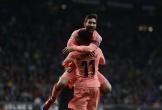 Messi ghi 2 siêu phẩm đá phạt ở trận derby Catalan