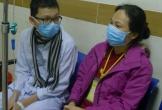 Xót xa cảnh mẹ u thực quản chăm con ung thư máu
