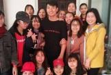 Chúc Tết Bùi Tiến Dũng, fan nữ muốn níu luôn trung vệ U23 Việt Nam ở lại quê nhà