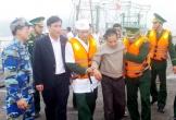 Hà Tĩnh:  Cứu thành công 11 ngư dân gặp nạn trên vùng biển Vũng Áng