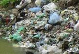 Rác thải 'bức tử' sông Ngàn Phố sau Tết Nguyên đán