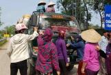 Bữa cơm ruồi nhặng bâu kín ở Hà Tĩnh: Chủ tịch xã thừa nhận bãi rác gây ô nhiễm