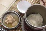 Xót lòng bữa cơm ở cữ mẹ chồng chuẩn bị cho con dâu chỉ có 3 miếng thịt mỏng như giấy
