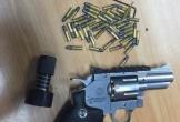 Hành khách Mỹ mang theo súng và hàng trăm viên đạn khi tới Nội Bài
