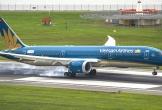 Máy bay chậm hơn 2 giờ vì hành khách mở cửa thoát hiểm