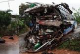 Xe khách biển Lào húc bay xe tải: Nạn nhân thứ 3 tử vong
