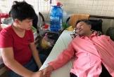 Thương người cha nghèo mong có 100 triệu đồng để cứu cẳng chân bị hoại tử