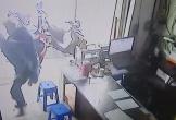 Tên trộm điện thoại bị chủ nhà phát hiện và 'hạ knock out'