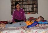 Hà Tĩnh: Cha mẹ nghèo bất lực nhìn con bị bệnh hiểm nghèo