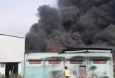 Khói lửa bao trùm xưởng sản xuất hạt nhựa