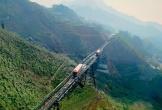 Không phải cáp treo, hãy tới Sapa để ngồi tàu hỏa lên Fansipan như trong Harry Potter ngắm hoa đỗ quyên nở rộ