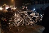 Ô tô con bị xe tải vò nát khiến một người tử vong