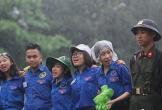 Lực lượng tình nguyện đội mưa làm