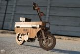 Ngã mũ với xe gắn máy chế tác hoàn toàn bằng... gỗ